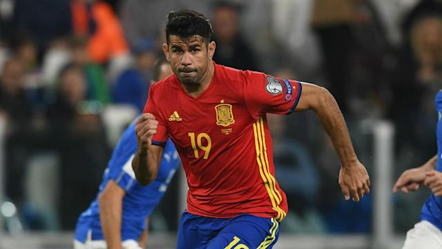 Despite pushing the boundaries with officials, the Spain coach does not want the forward to change his way of playing