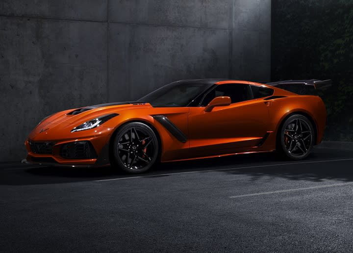 2019 Chevrolet Corvette ZR1 Front Quarter Left Photo