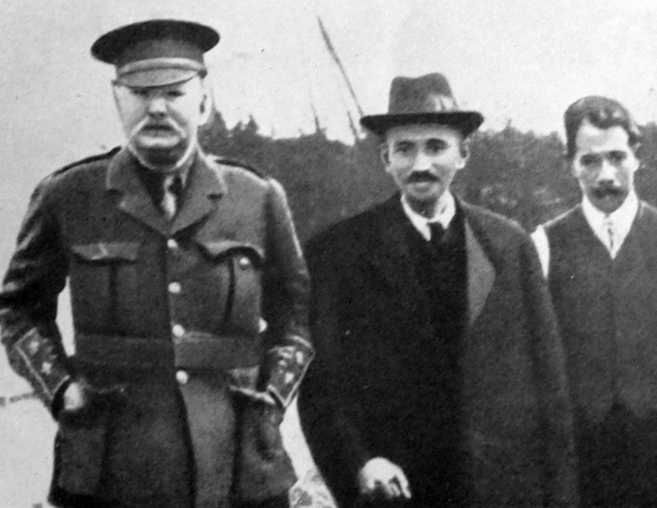 Mohandas Karamchand Gandhi visits England 1914. Gandhi established an idealistic community called 'Tolstoy Farm' near Johannesburg. where he nurtured his policy of peaceful resistance. (Photo by: Universal History Archive/Universal Images Group via Getty Images)