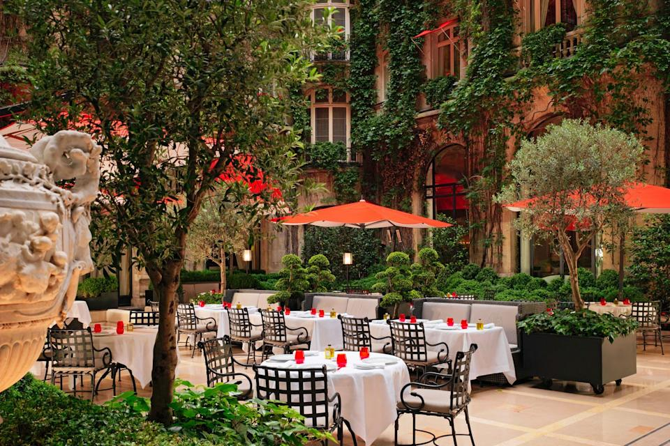Photo credit: Hotel Plaza Athenee