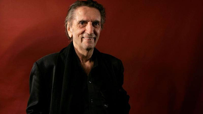 Jon Cryer, Charlie Sheen, David Lynch and More Celebs React to Harry Dean Stanton's Death