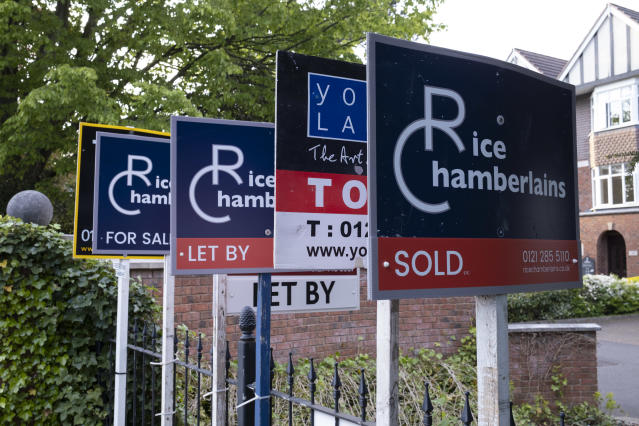 New mortgage approvals collapsed by 90% in May compared to pre-pandemic levels. Photo: Mike Kemp/In PIctures via Getty Images