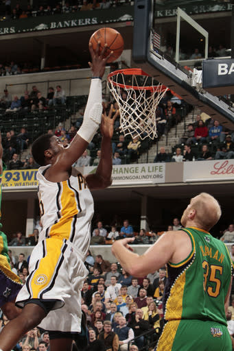 Hibbert leads Pacers past Hornets 117-108 in OT