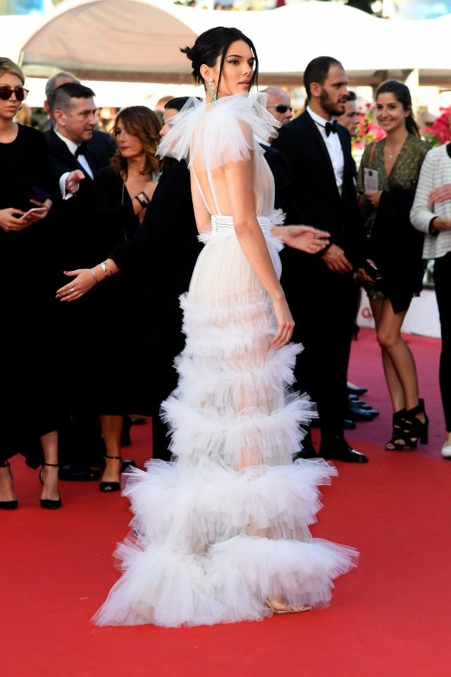 kendall_jenner_gettyimages-957734944.jpg
