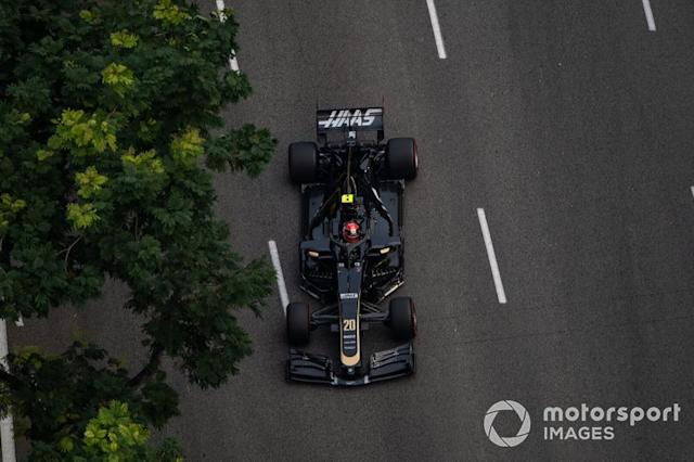 "Singapur: Kevin Magnussen (Haas) <span class=""copyright"">Simon Galloway / Sutton Images</span>"
