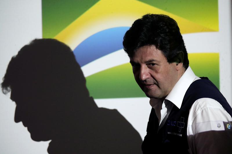 Brazil's Minister of Health Luiz Henrique Mandetta arrives to attend a news conference after a meeting with Brazil?s President Jair Bolsonaro, amid the coronavirus disease (COVID-19) outbreak in Brasilia, Brazil April 16, 2020. REUTERS/Ueslei Marcelino