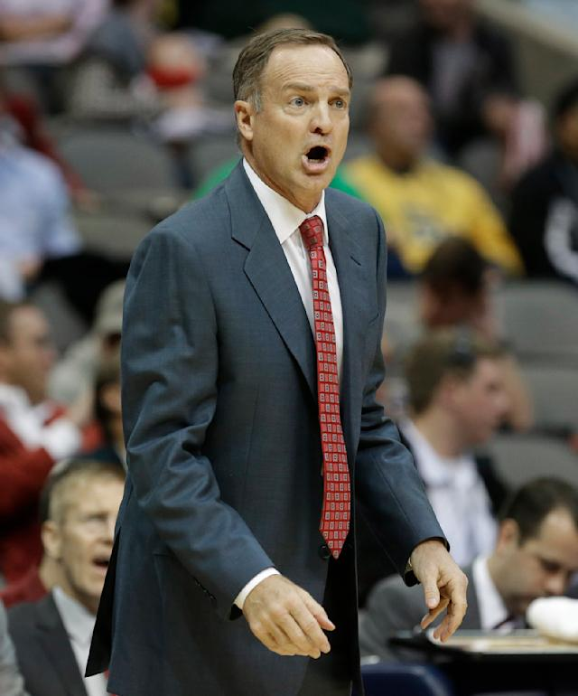 Oklahoma head coach Lon Kruger yells during the first half of an NCAA college basketball game against Alabama in Dallas, Friday, Nov. 8, 2013. (AP Photo/LM Otero)
