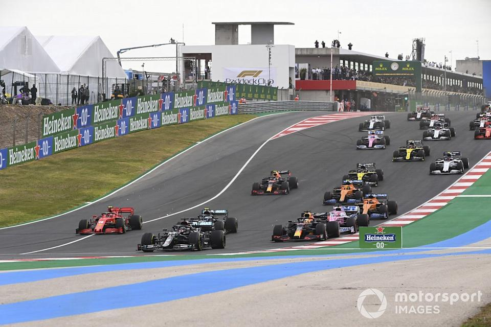 "Lewis Hamilton, Mercedes F1 W11, Valtteri Bottas, Mercedes F1 W11, Max Verstappen, Red Bull Racing RB16, leads, Sergio Pérez, Racing Point RP20,<span class=""copyright"">Mark Sutton / Motorsport Images</span>"