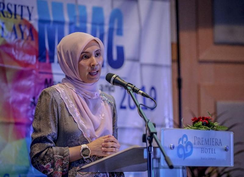 Permatang Pauh MP Nurul Izzah Anwar had described Prime Minister Tun Dr Mahathir Mohamad as a 'former dictator who wreaked so much damage'. ― File picture by Firdaus Latif