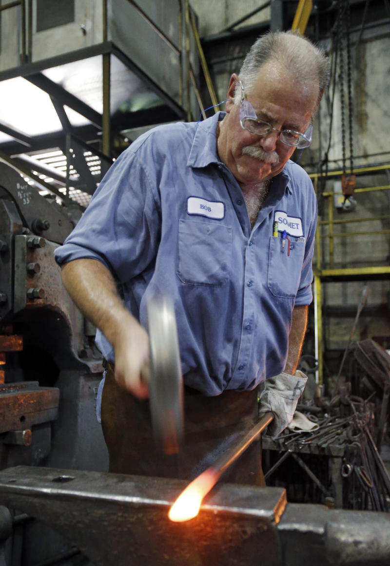 US manufacturing grows for 1st time in 4 months