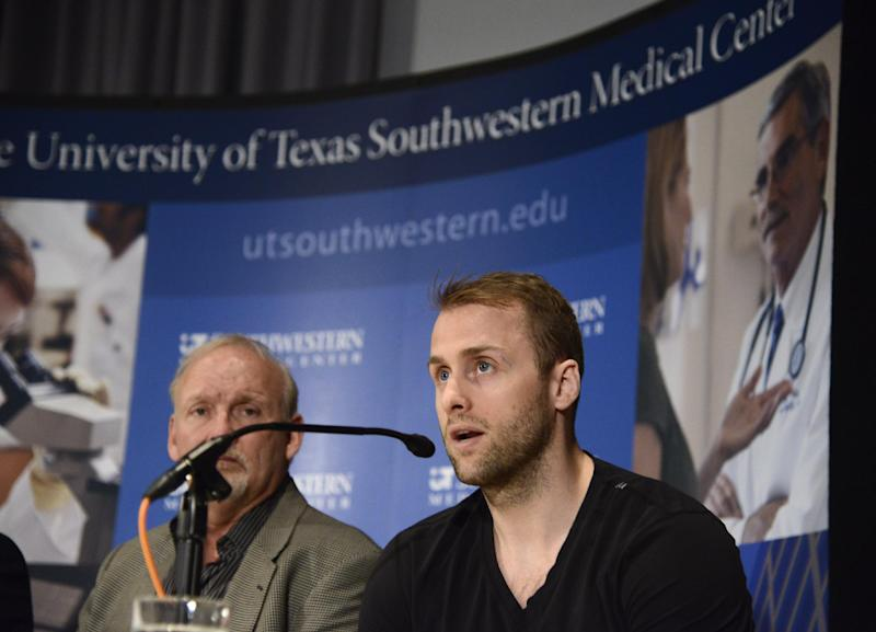 Stars' Peverley out of hospital, with teammates