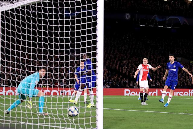 Donny van de Beek put the icing on the cake for the visitors as Chelsea gathered momentum. (Photo by Marc Atkins/Getty Images)