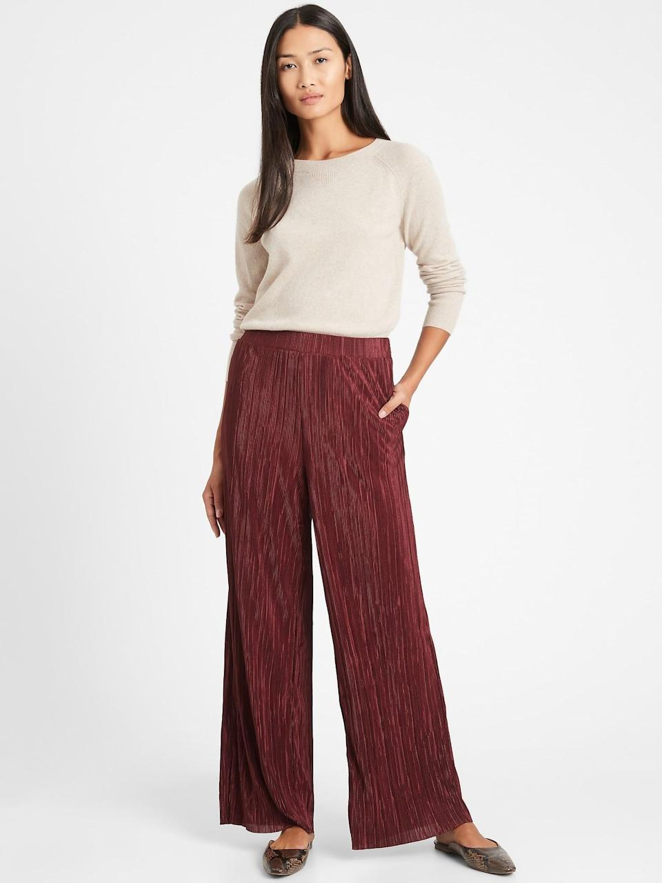 <p>These <span>Banana Republic High-Rise Wide-Leg Plisse Pant</span> ($58, originally $90) are comfortable and look great with a pair of ballet flats!</p>