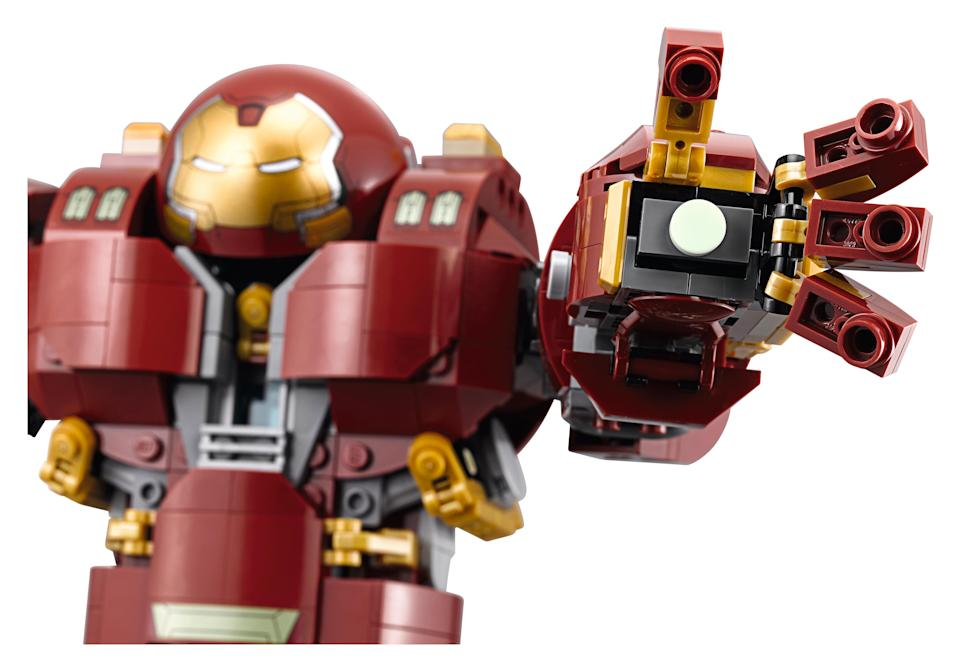 The LEGO® Marvel Super Heroes The Hulkbuster: Ultron Edition. The available exclusively from LEGO® stores and shop.LEGO.com from Saturday 3rd March, 2018 (LEGO Group)