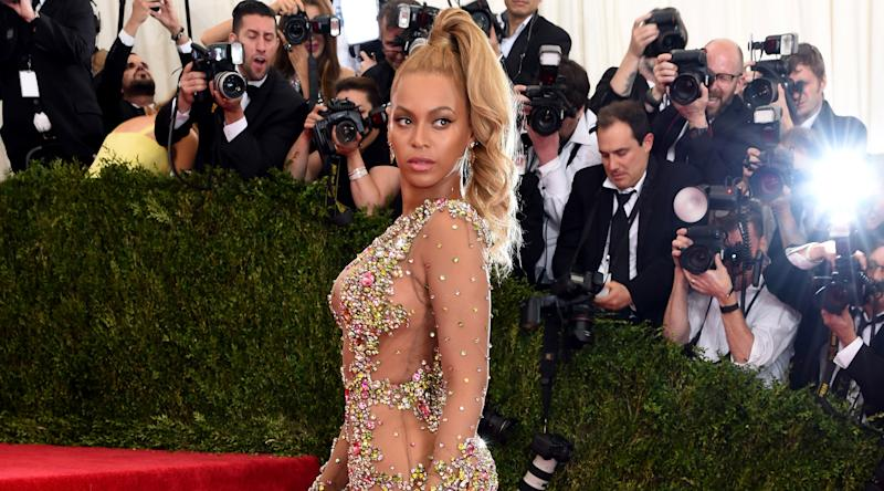 f3a4933a238 Here s What Designer You d Wear to the Met Gala According to Your Sign