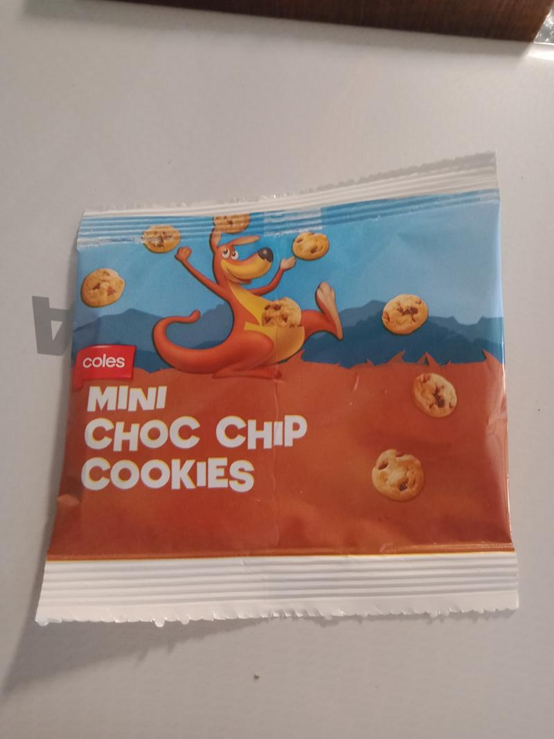 Coles Choc Chip Cookie packet fail sees one cookie included