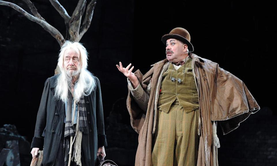 Ronald Pickup and Matthew Kelly in Waiting for Godot