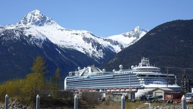 A file photo of a cruise ship in Skagway, Alaska. The first ship of the season arrived Friday.  (Claudiane Samson/Radio-Canada - image credit)