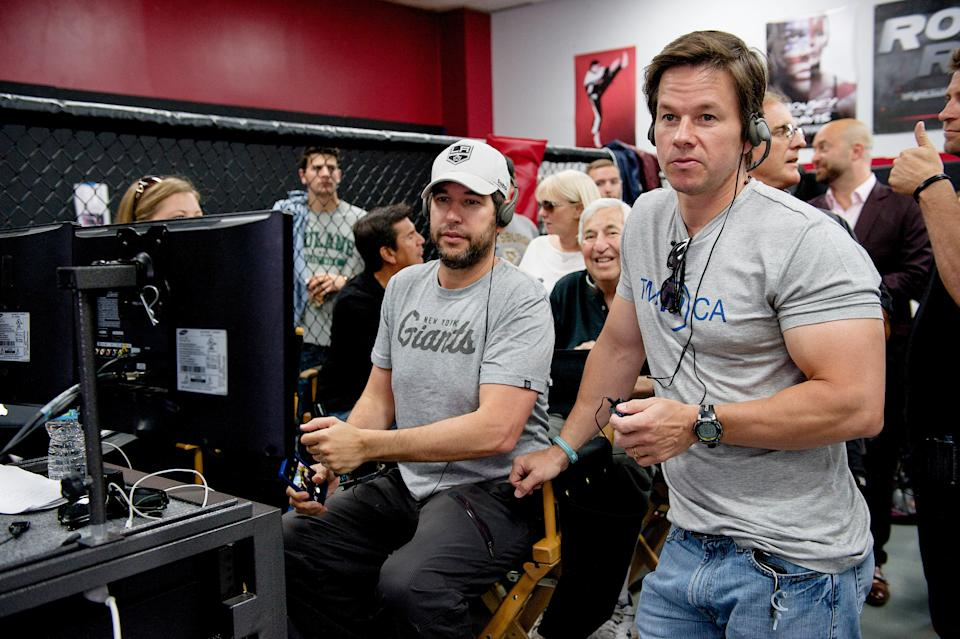 Ellin and Mark Wahlberg on the set of the film version of 'Entourage' (Photo: Warner Bros. Pictures/courtesy Everett Collection)