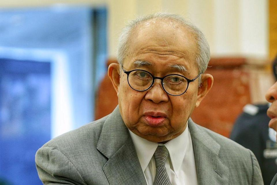 Tengku Razaleigh HamzahThe government backbencher said if the rumoured plan comes into force, 'business confidence would be at ground zero'. — Picture by Ahmad Zamzahuri