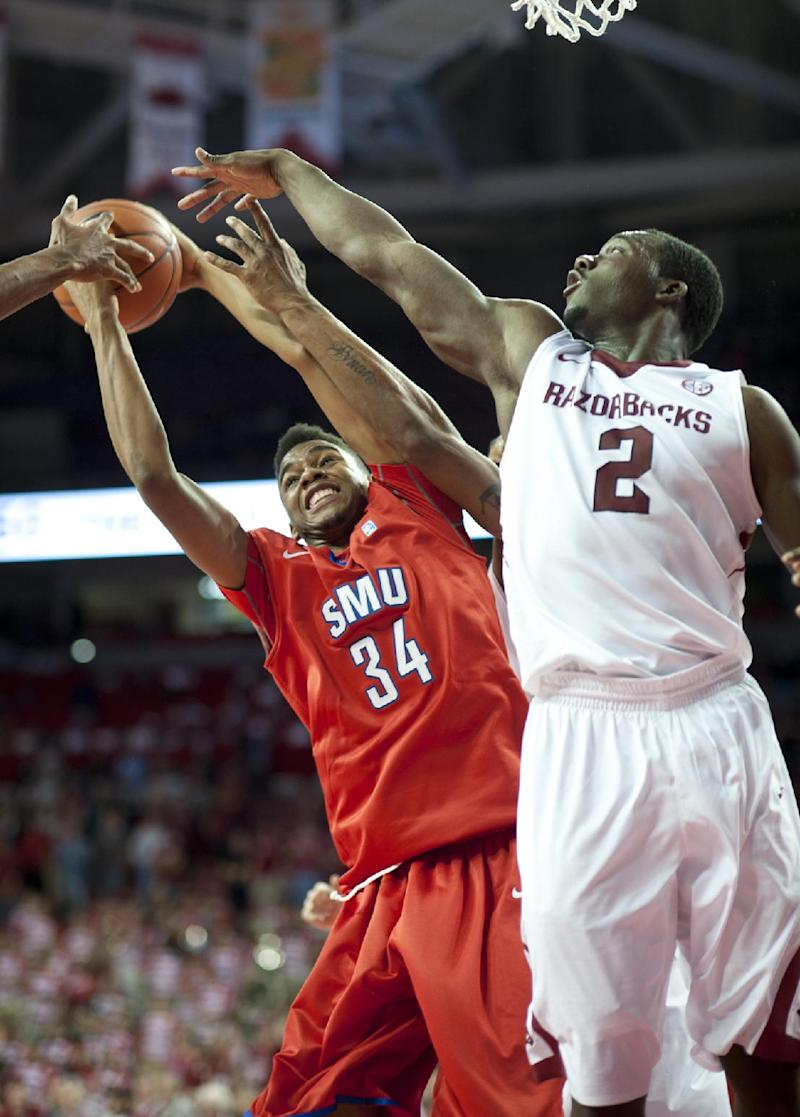 Arkansas' Harris taking control after transfer