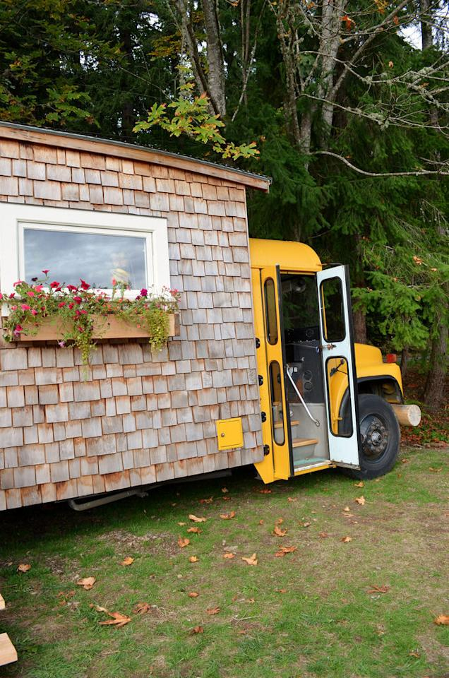 "<p>The school bus house was voted the best tiny house in the world … by Jeremy Thompson's mom, <a href=""https://www.youtube.com/watch?v=V6755UrjCT0"" target=""_blank"">according to a video tour of the home.</a><br /></p>"