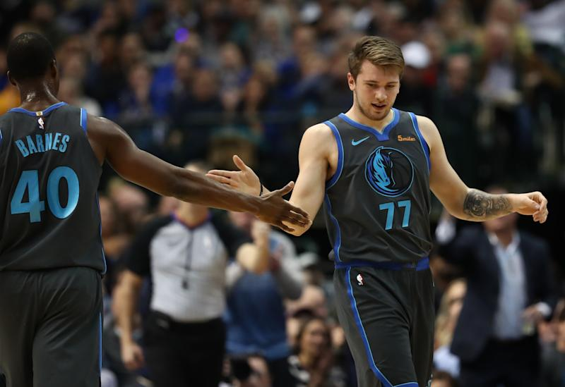 2e917d59f Mavericks rookie Luka Doncic impresses with two outstanding passes