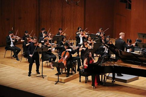 The Sitkovetsy Trio with the Hong Kong Sinfonietta under the baton of Christoph Poppen. Photo: Handout