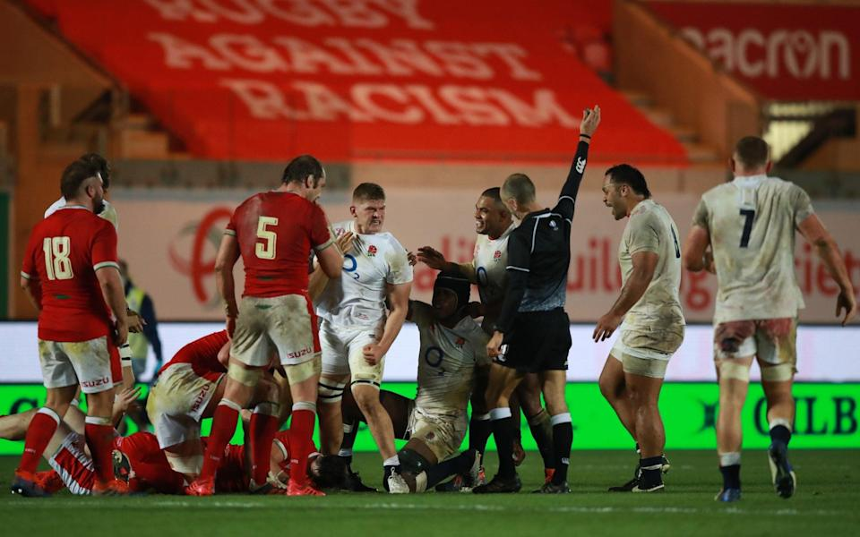 Jack Willis of England celebrates after winning the ball in a maul during the Autumn Nations Cup match between Wales and England - GETTY IMAGES