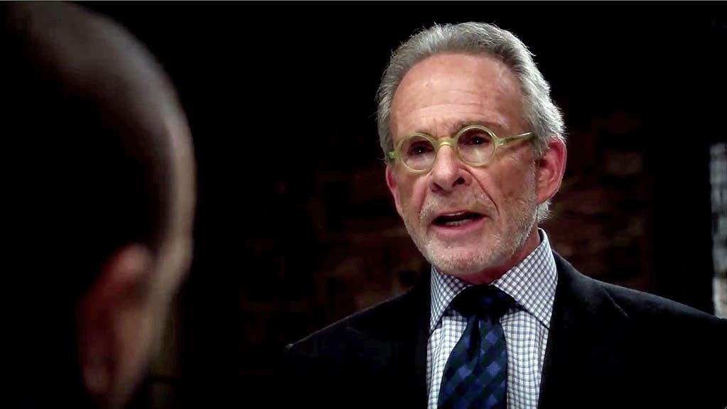 Stan Exley (Ron Rifkin) returns to SVU, this time to defend Ledger reporter, Griscomb (Gavin Lee), following dubious methods of journalism.