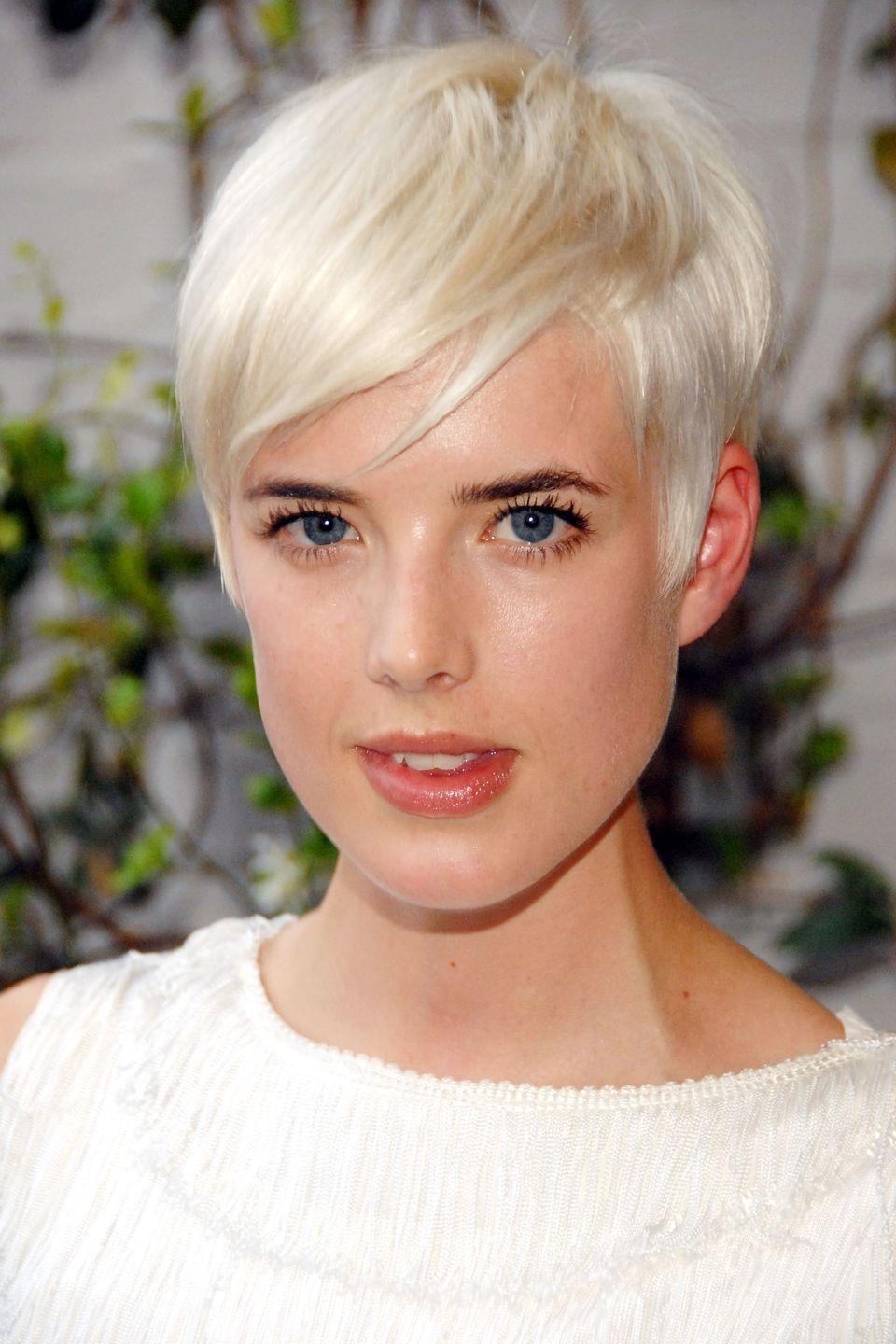 <p>Model Agyness Deyn makes her platinum hair piecey, for a twist on her classic look. </p>