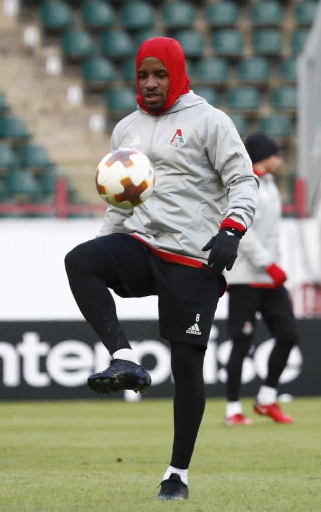Soccer Football - Europa League - Lokomotiv Moscow Training - Moscow, Russia - February 21, 2018 - Lokomotiv Moscow's Jefferson Farfan trains. REUTERS/Sergei Karpukhin
