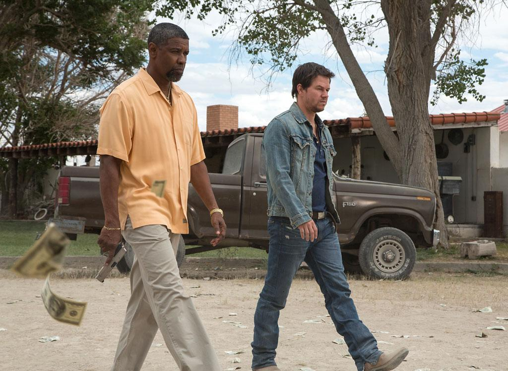 "Denzel Washington and Mark Wahlberg in Universal Pictures' ""2 Guns"" - 2013"