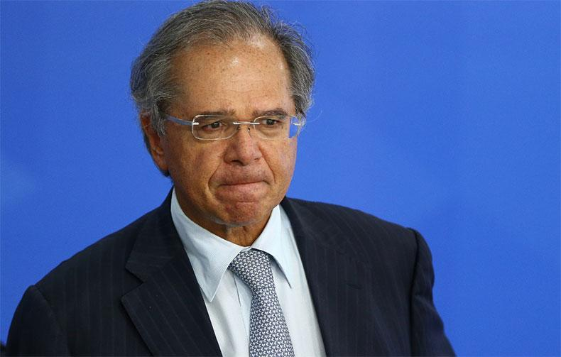 Organizers of the Basic Income We Want Campaign sent an official letter to Paulo Guedes, Minister of Economy, asking that individual micro-entrepreneurs have more time to pay off their tax debts.  (Photo: Pedro Ladeira/Folhapress)
