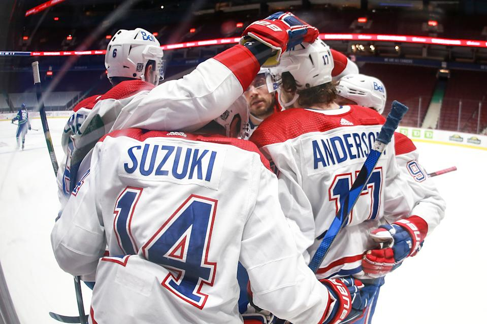 VANCOUVER, BC - JANUARY 21: The Montreal Canadiens celebrate a goal by Montreal Canadiens Right Wing Josh Anderson (17) against the Vancouver Canucks during their NHL game at Rogers Arena on January 21, 2021 in Vancouver, British Columbia, Canada. (Photo by Devin Manky/Icon Sportswire via Getty Images)