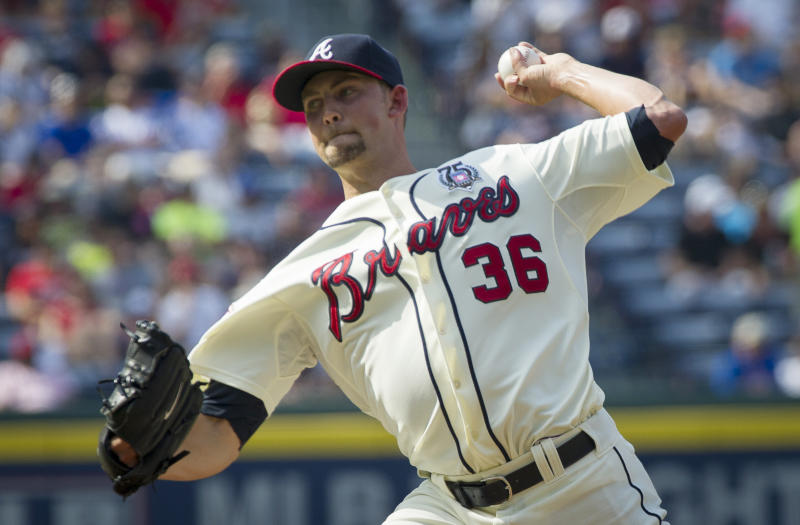 Braves score 6 runs in 3rd, beat Padres 8-3