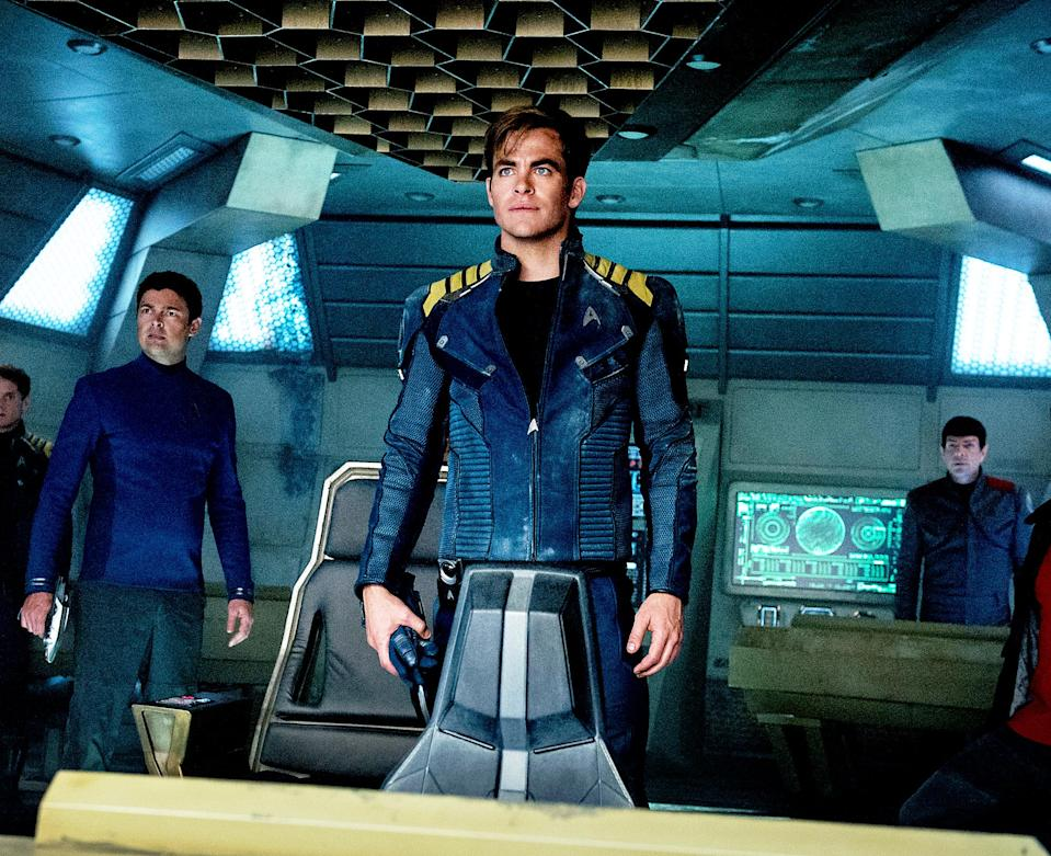 Chris Pine and Zoe Saldana shine in 'Star Trek Beyond,' a worthy chapter of the iconic sci-fi franchise