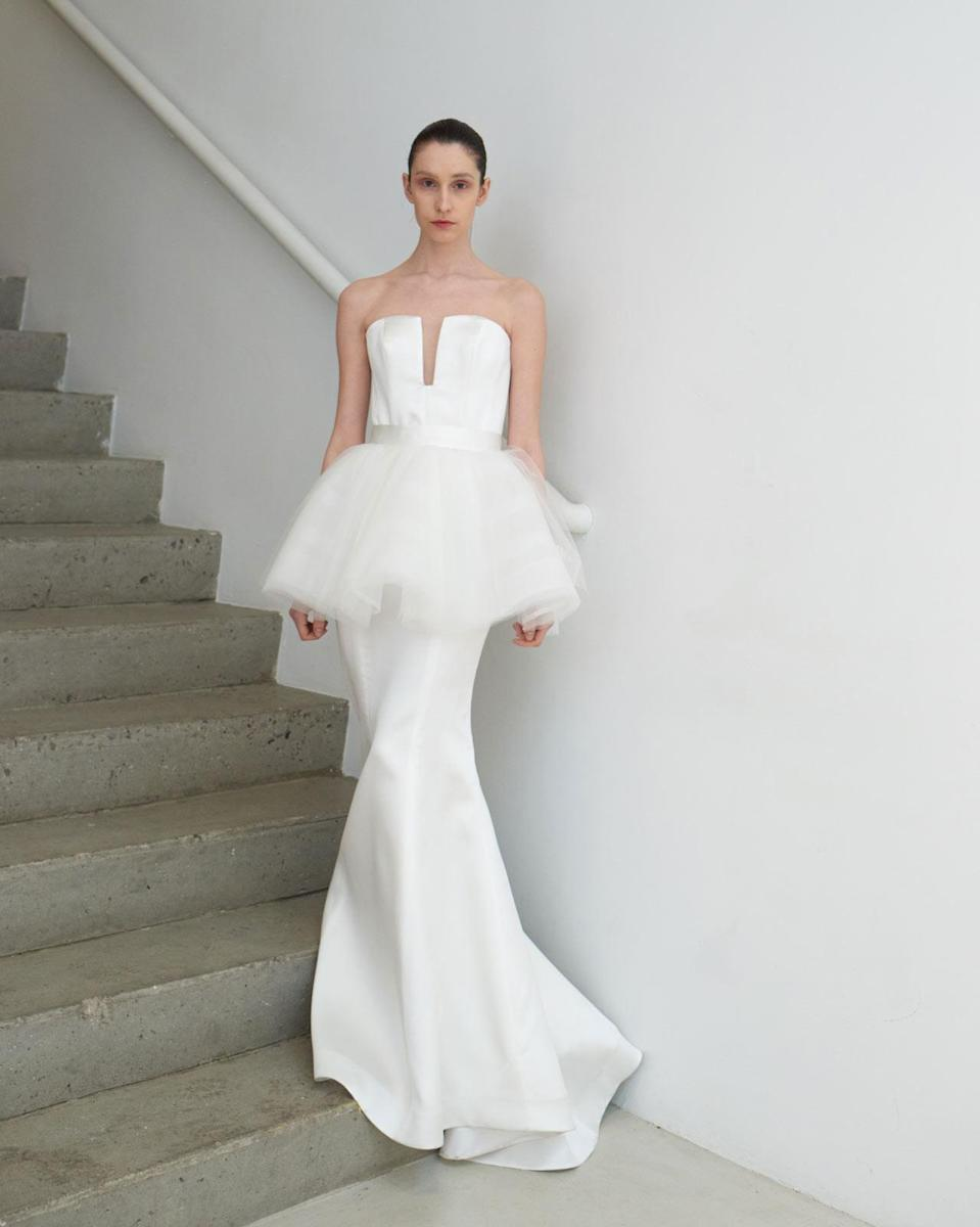 <p>Strapless white peplum gown. (Photo: Tawfick Photography) </p>
