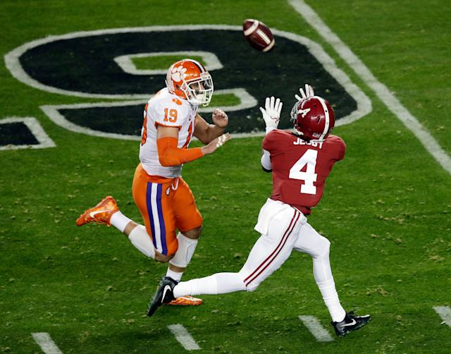 Alabama's Jerry Jeudy catches a touchdown pass against Clemson in national championship game in January. (AP)