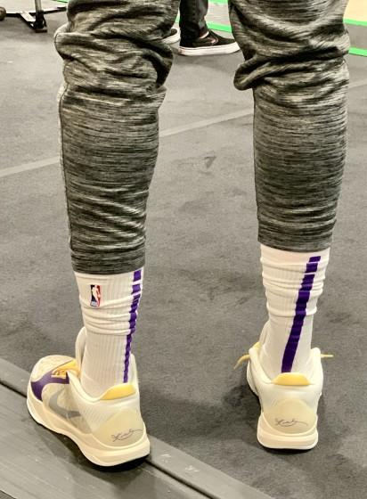 Lakers star Anthony Davis sports a pair of Kobe shoes by Nike.