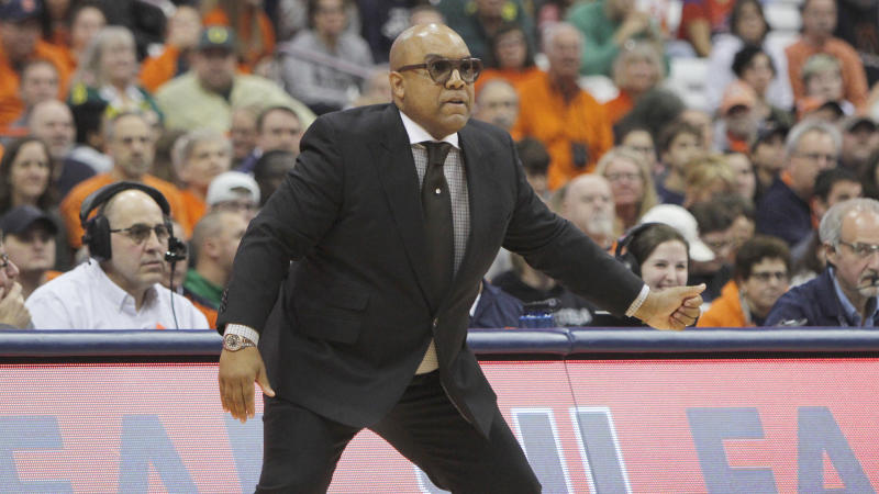 Syracuse head coach Quentin Hillsman watches his players from the sidelines in the first quarter of an NCAA college basketball game against Oregon in Syracuse, N.Y., Sunday, Nov. 24, 2019. Oregon won 81-64. (AP Photo/Nick Lisi)