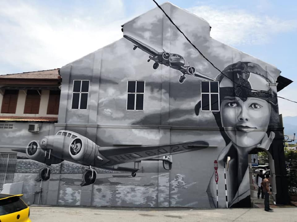 A mural depicting the first female aviator to fly solo across the Atlantic Ocean Amelia Mary Earhart has drawn backlash online. — Picture via Facebook/ Majlis Perbandaran Taiping