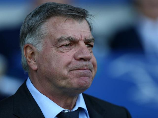 Everton confirm departure of Sam Allardyce as club continue talks over Marco Silva