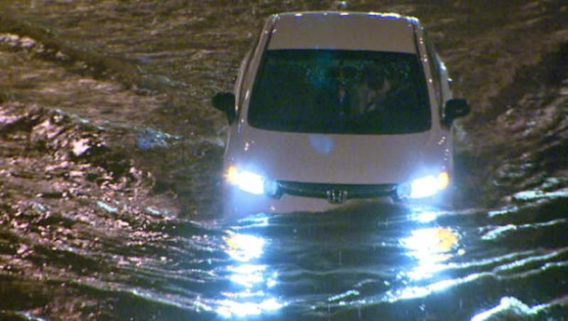 Flooding closes Toronto's main artery