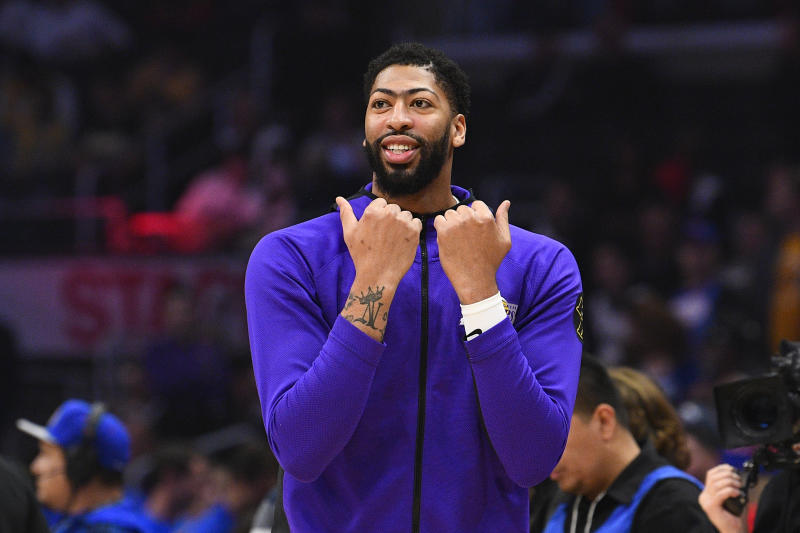 LOS ANGELES, CA - MARCH 08: Los Angeles Lakers Forward Anthony Davis (3) looks on before during a NBA game between the Los Angeles Lakers and the Los Angeles Clippers on March 8, 2020 at STAPLES Center in Los Angeles, CA. (Photo by Brian Rothmuller/Icon Sportswire via Getty Images)