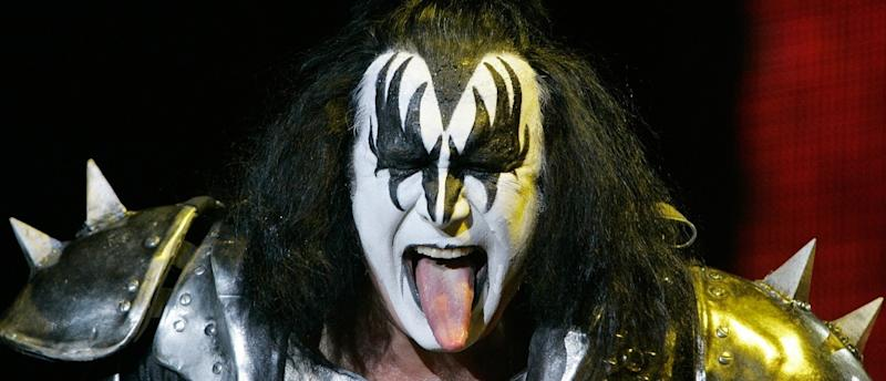 Gene Simmons Apologizes For Telling Depressed People To Go Kill Themselves
