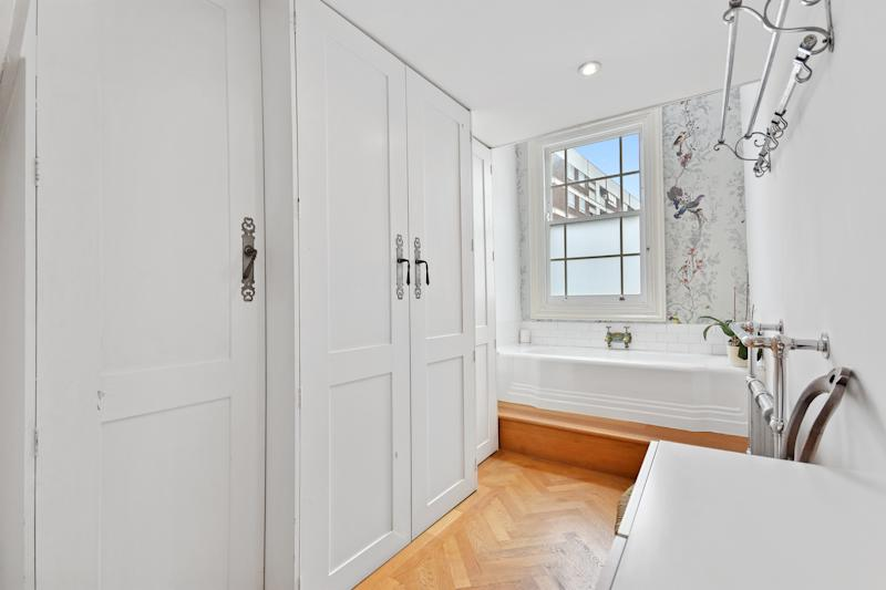 The bathroom has an art deco tub. (Winkworth)