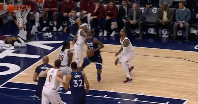 "<a class=""link rapid-noclick-resp"" href=""/nba/players/4942/"" data-ylk=""slk:Isaiah Thomas"">Isaiah Thomas</a> reaches out and touches <a class=""link rapid-noclick-resp"" href=""/nba/players/5292/"" data-ylk=""slk:Andrew Wiggins"">Andrew Wiggins</a>. (Screencap via NBA)"