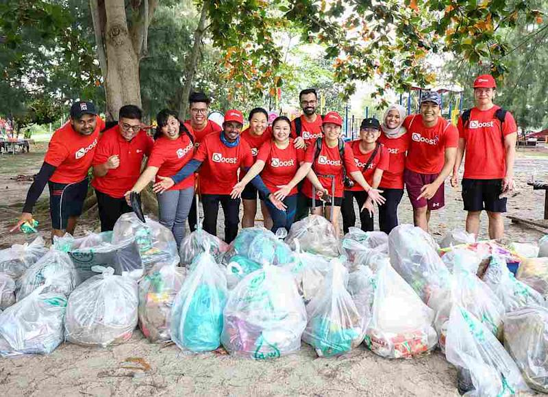 Boost employees managed to clear 333kg of trash from the Pantai Kelanang beach, with the help of altruistic volunteers. — Picture courtesy of Boost