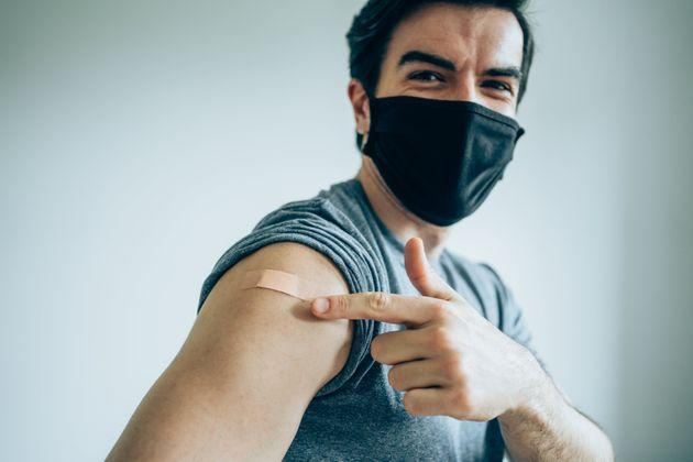 A new study suggests there are significant mental health benefits to getting vaccinated. (Photo: VioletaStoimenova via Getty Images)